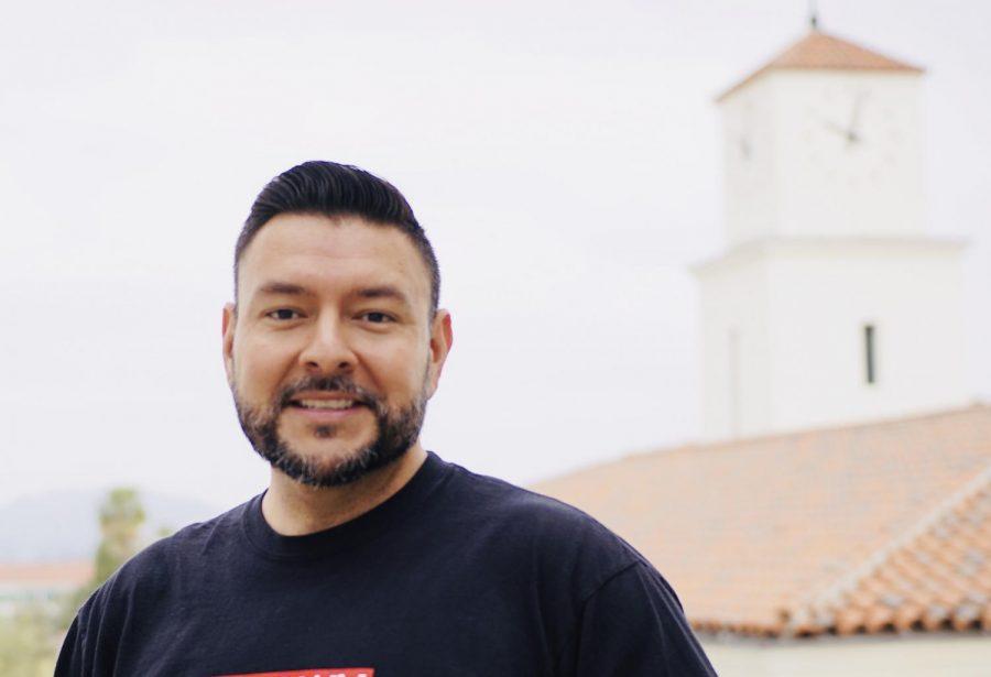 Profesor brinda apoyo a minorias en SDSU