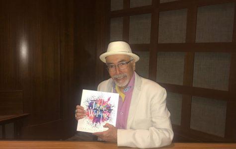 Poeta chicano recita su trabjo a estudiantes de SDSU