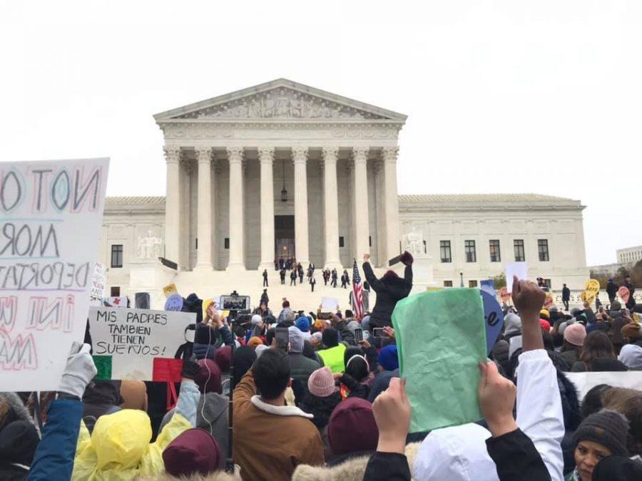 Estudiantes de SDSU participaron en protesta a favor de DACA