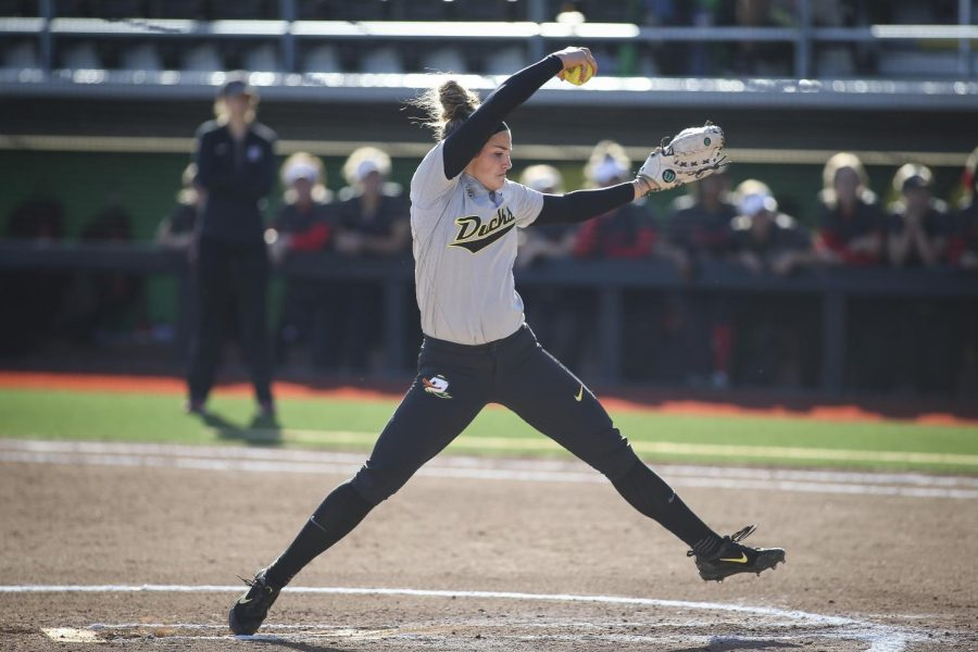 In+two+seasons+at+Oregon%2C+Maggie+Balint+went+28-4+with+a+1.51+ERA+and+214+strikeouts+against+53+walks+in+185+innings.