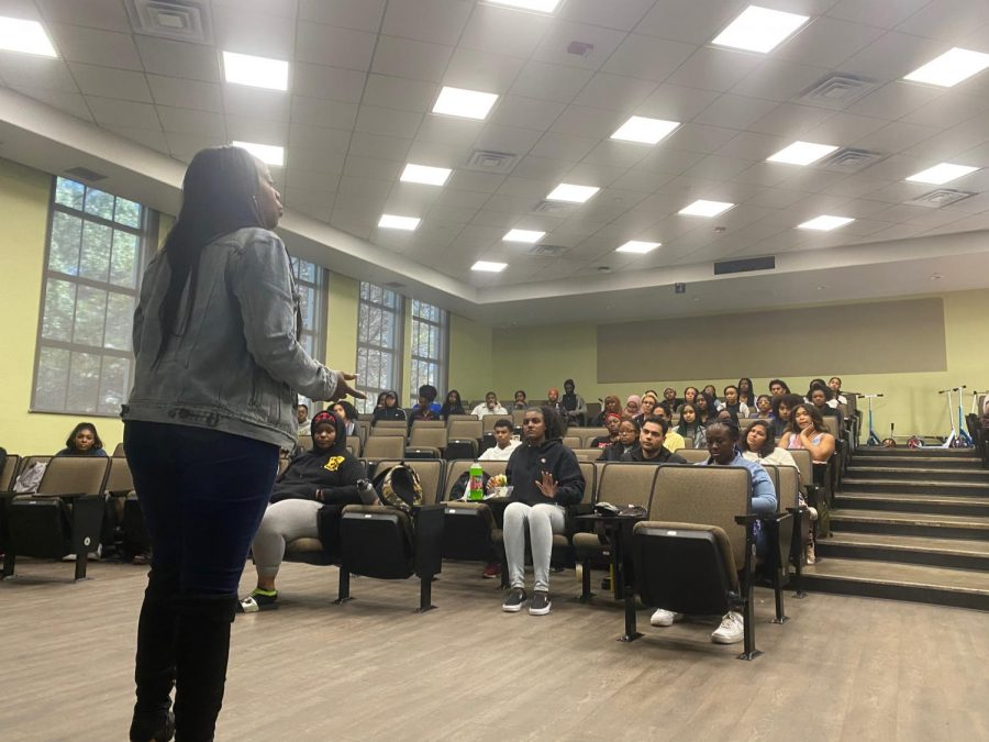 HIV/AIDS activist and best selling author Marvelyn Brown spoke to students about sexual health and awareness on Feb 7.