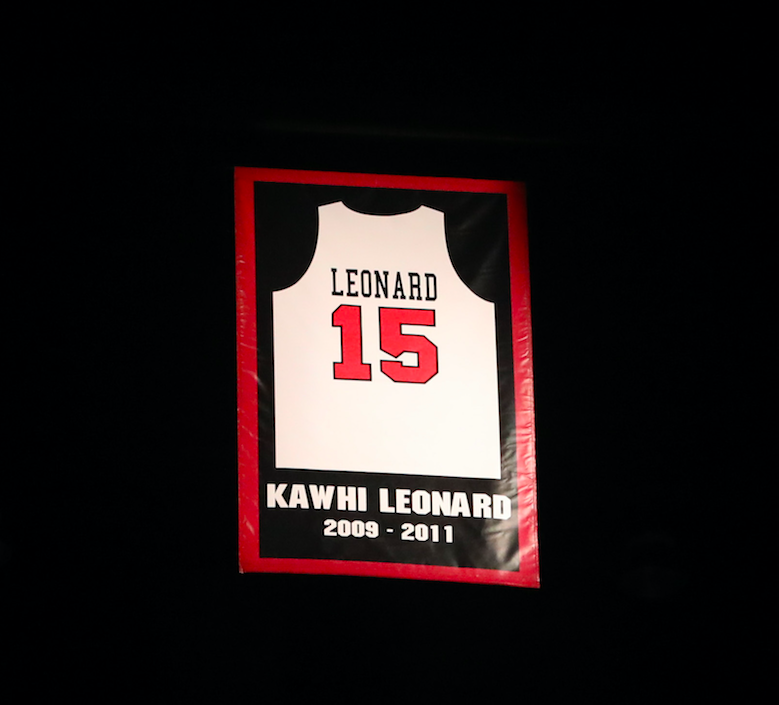 Kawhi+Leonard%27s+jersey+is+the+only+one+to+be+retired+in+San+Diego+State+history.
