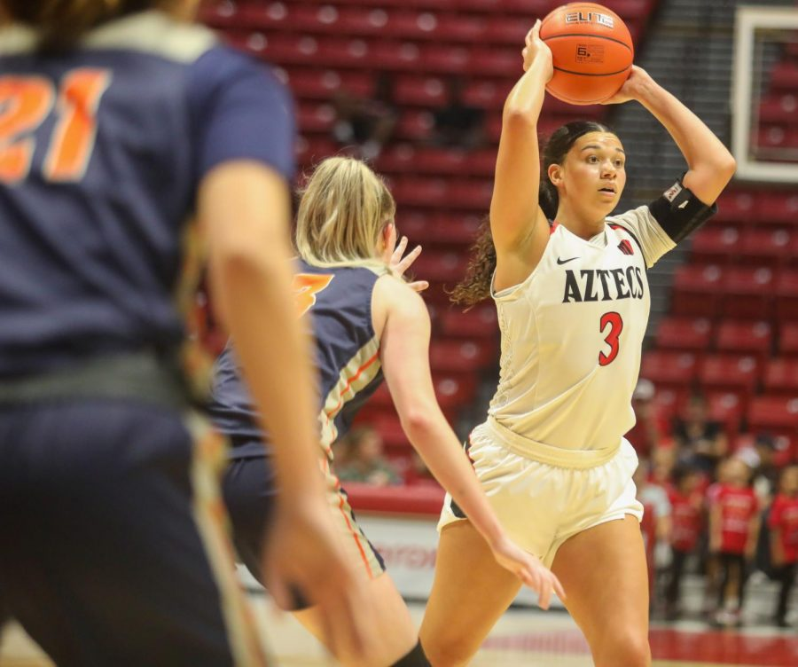 Then-sophomore forward Mallory Adams attempts to pass to a teammate during the Aztecs' 55-45 win over Cal State Fullerton on Nov. 17, 2019 at Viejas Arena.