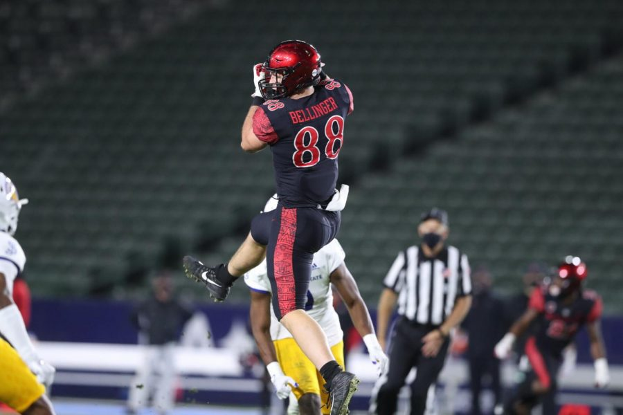 Junior tight end Daniel Bellinger catches a pass during the Aztecs' 28-17 loss to San José State on Nov. 6 at Dignity Health Sports Park in Carson, Calif.
