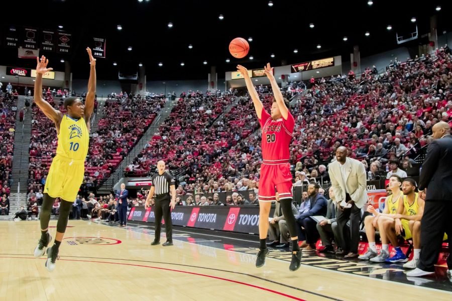 Then-junior Jordan Schakel shoots a 3-pointer during the Aztecs' 59-57 win over San José State on Dec. 8, 2019 at Viejas Arena.
