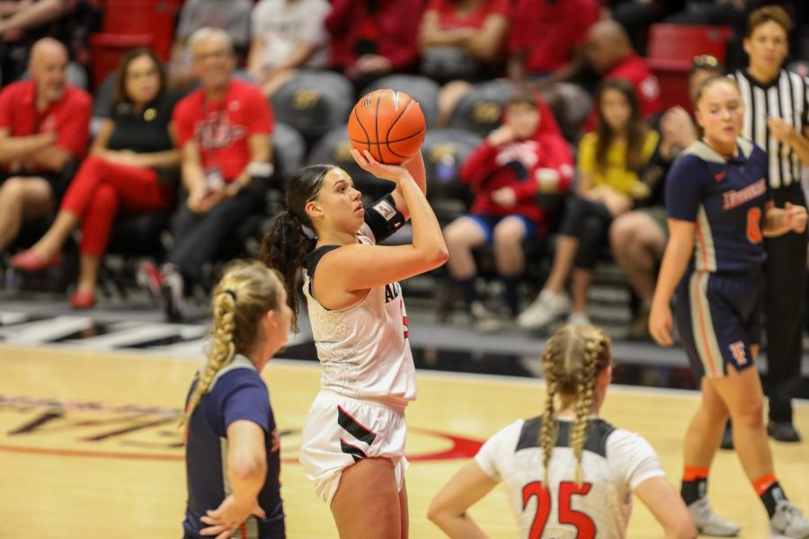 Then-sophomore forward Mallory Adams shoots from the charity stripe during the Aztecs' 55-45 win over the Titans on Nov. 17, 2019 at Viejas Arena.