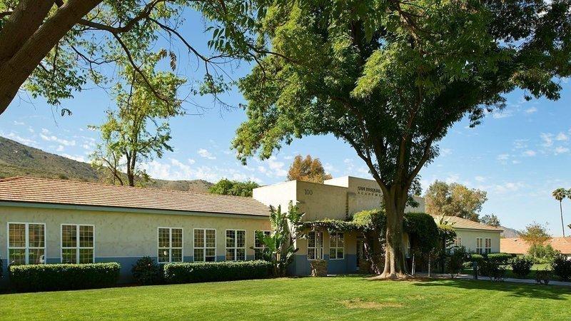 El cierre de La Academia Pasqual afectará a muchos estudiantes en cuidado de crianza