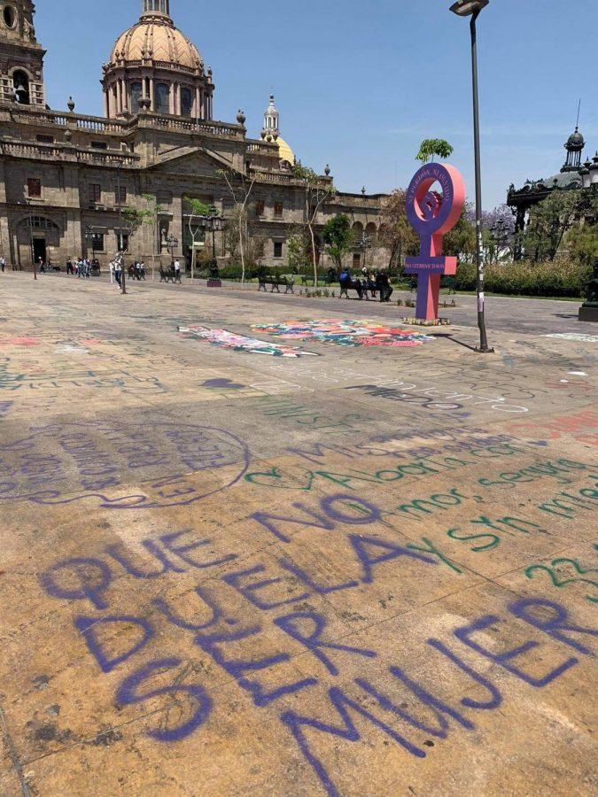 El+Centro+de+Guadalajara+pintado+por+feministas+
