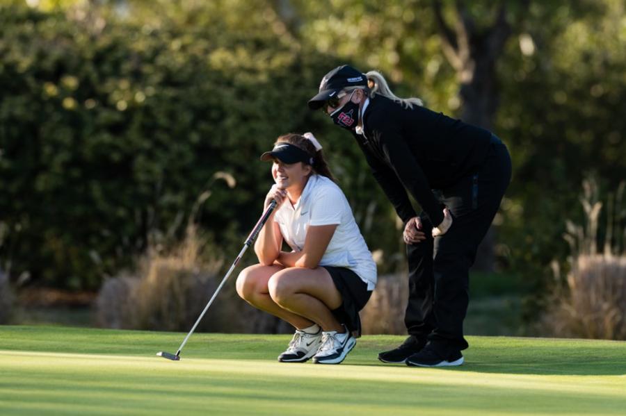 Women%27s+golf+coach+retiring+after+noteworthy+tenure