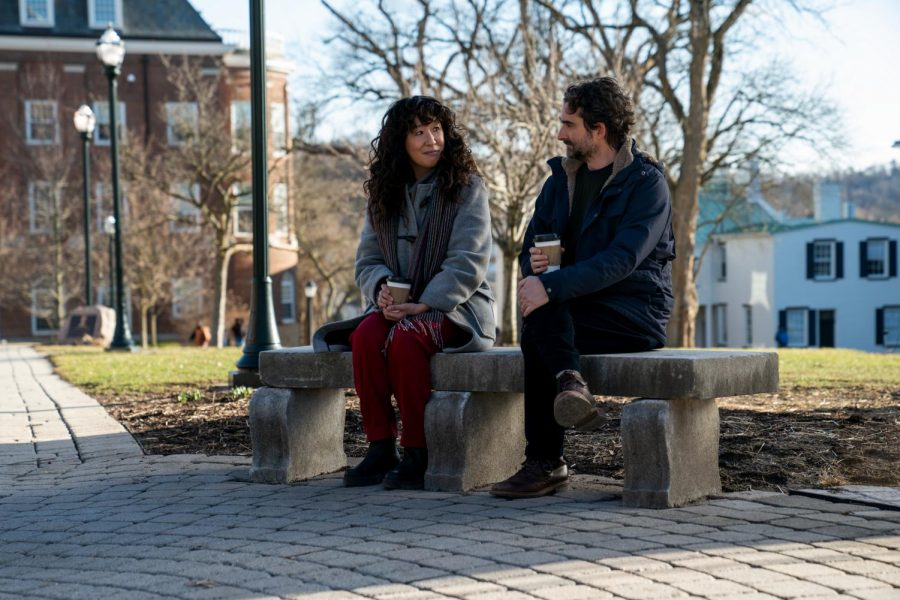 (L to R) SANDRA OH as JI-YOON and JAY DUPLASS as BILL in episode 106 of THE CHAIR