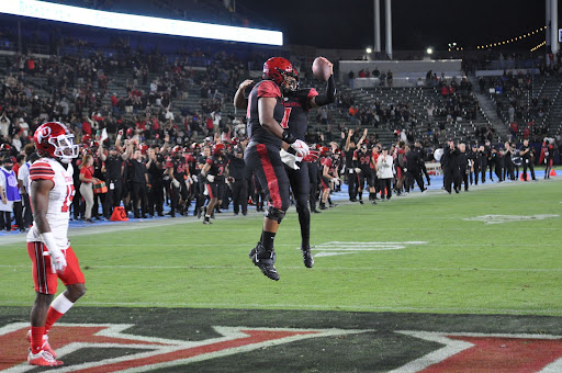 San Diego State celebrates after scoring a late touchdown against Utah.