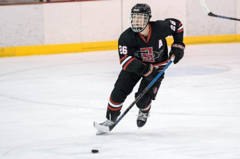 Junior forward Blake Bowen during the weekend series against the Oregon Ducks (Photo Courtesy of SDSU Hockey)