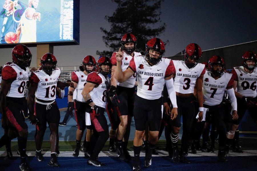 Senior quarterback Jordon Brookshire (4) leads the Aztecs into the game against San Jose State (Photo Courtesy of Justin Truong, SDSU Athletics).
