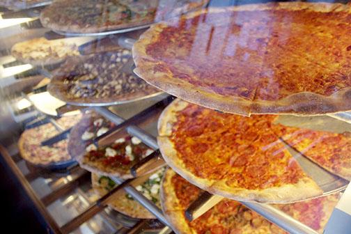 Savory slices satisfy students