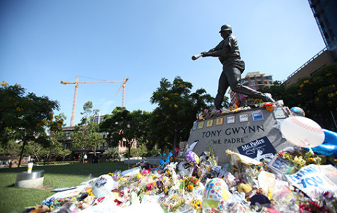 Tony Gywnn Statue in Petco Park