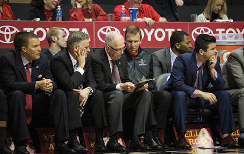 Men's hoops has a night to forget in Viejas