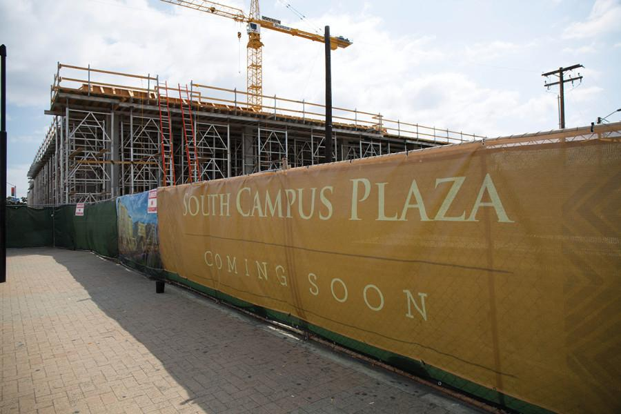 New+plaza+offers+mixed-use+space