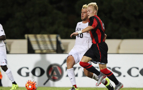 Aztec men's soccer hopes to notch first Pac-12 win this weekend against Cal, Stanford