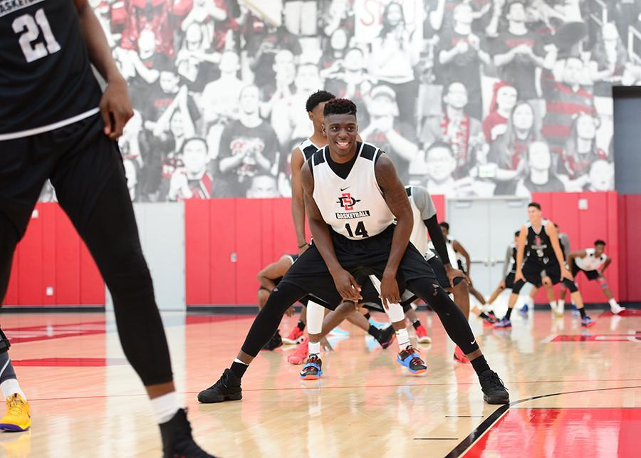 SDSU mens hoops opens practice for 2015-16 season