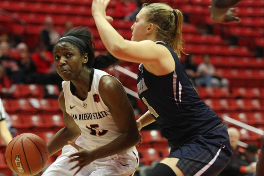 Aztecs women's basketball establishs first win streak of 2016 with 65-54 double OT win over Fresno State