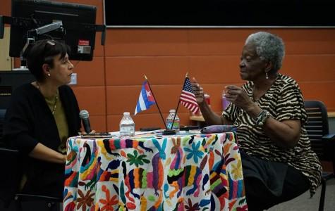 Poeta Cubana sorprendida con la SDSU