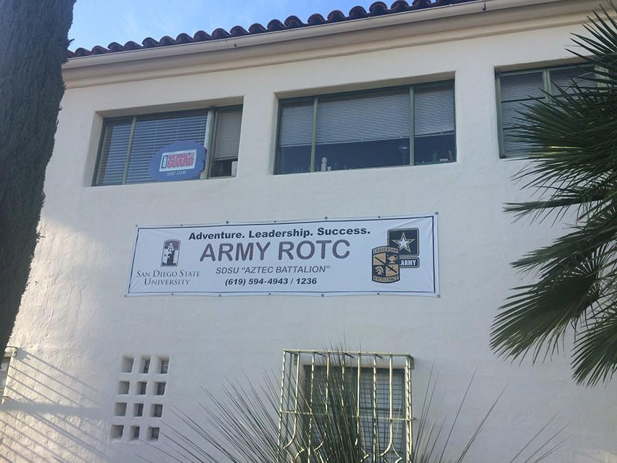 Housing community welcomes students in military training