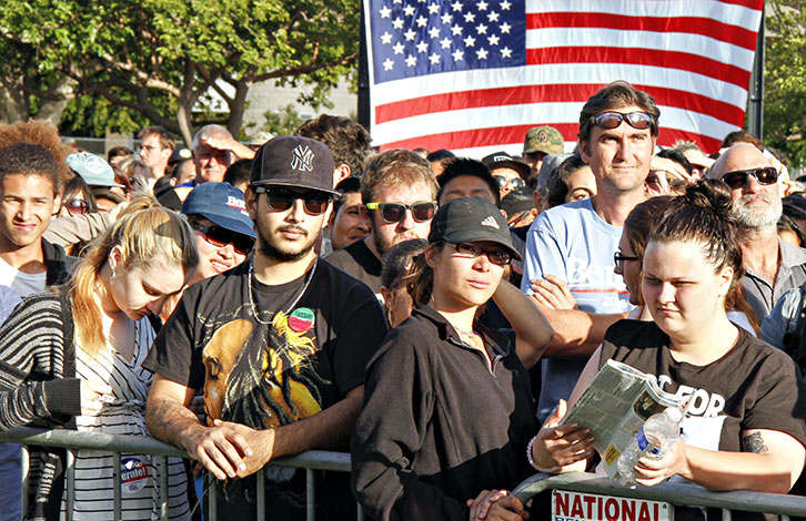 Sanders+supporters+swelter+waiting+for+the+then-candidate+to+speak+at+a+May+rally+in+National+City%2C+California.+