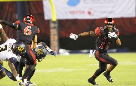 Pumphrey powers SDSU football past Fresno, 17-3
