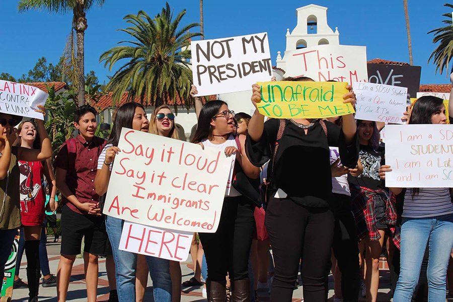 Estudiantes de SDSU protestan la elección de Trump