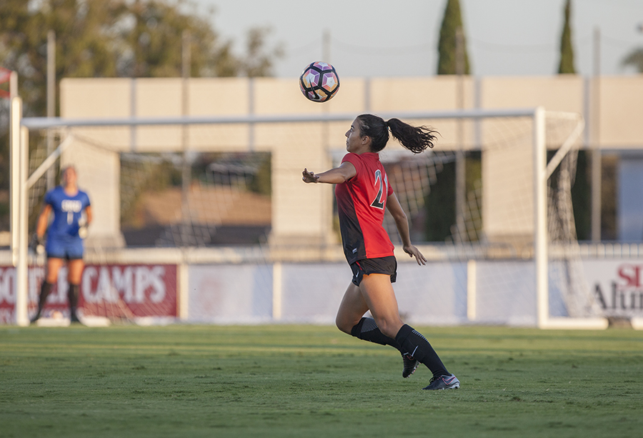 Sophomore midfielder Yasmin Ahooja sets up for a first touch during SDSUs loss to USD.