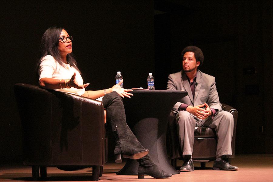 Ilyasah Shabazz, autora y  tercer hija de Malcolm X, contesta preguntas de estudiantes.