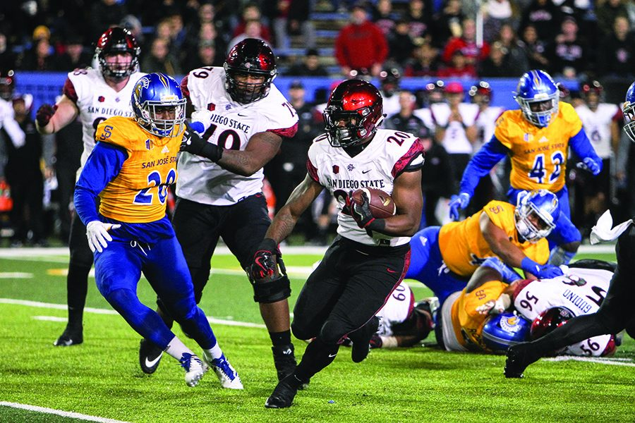 Senior running back Rashaad Penny cuts into the open field on his way to a touchdown in the third quarter of SDSU's 52-7 win over San Jose State on Nov. 4.