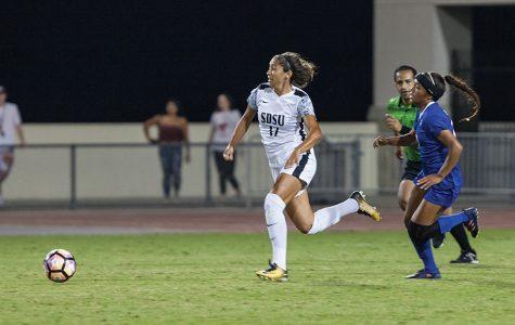 Senior forward Aaliyah Utush darts past a Spartan defender during SDSU's 0-0 draw with San Jose State on Oct. 6.
