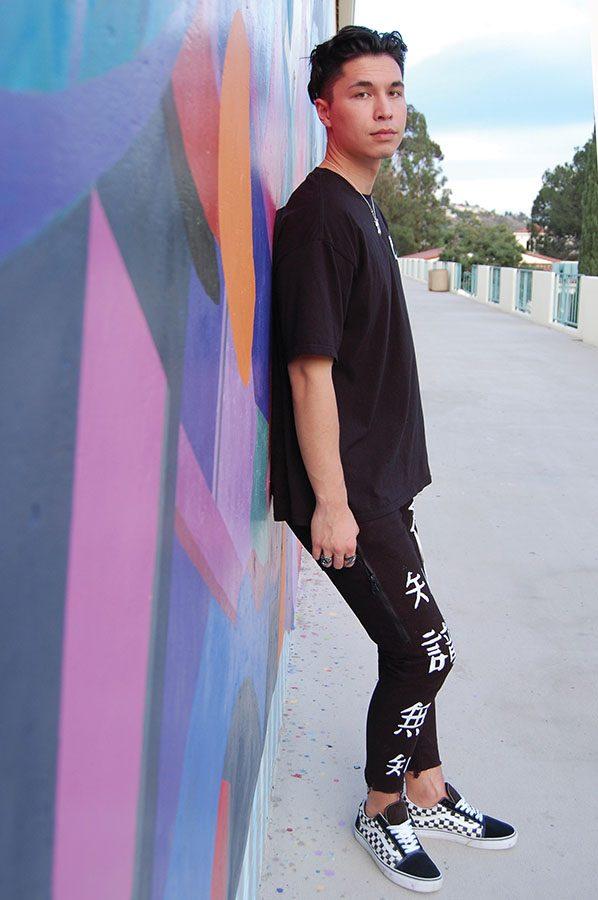 Arts_fashion_ElissaTauscher4