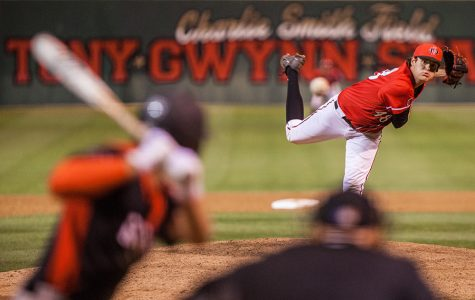 Aztecs complete comeback with 7-6 victory over UNLV
