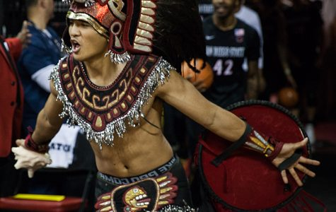 Faculty union condemns Aztec mascot