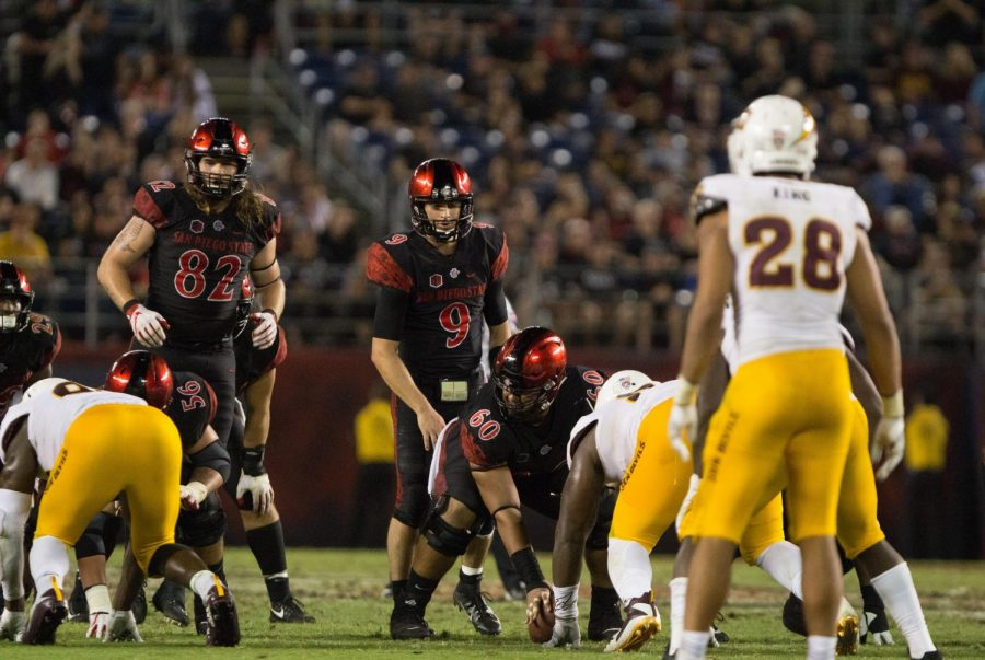 Redshirt+junior+quarterback+Ryan+Agnew+prepares+to+take+a+snap+from+under+center+during+the+Aztecs+28-21+victory+over+Arizona+State+on+Sept.+15+at+SDCCU+Stadium.