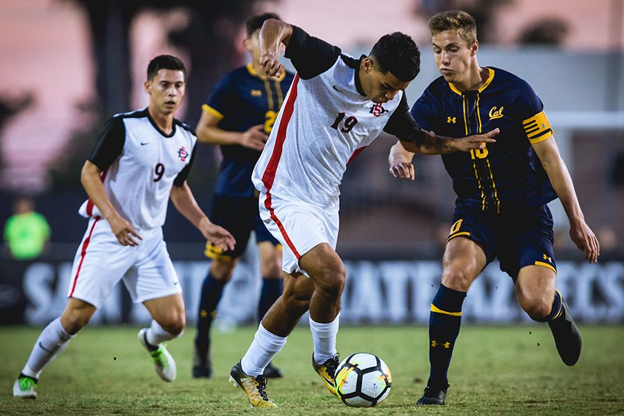 Damian German fights for the ball during the Aztecs' 2-0 loss to UC Berkeley on Nov. 4, 2018 at the SDSU Sports Deck.
