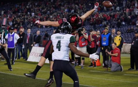 Junior wide receiver Kahale Warring is unable to catch a potential two-point conversion in overtime of the Aztecs 31-30 loss to Hawaii on Nov. 24 at SDCCU Stadium.