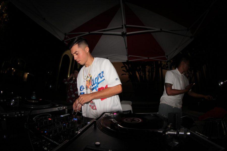Student+DJ+develops+craft+through+Aztec+Music+Group