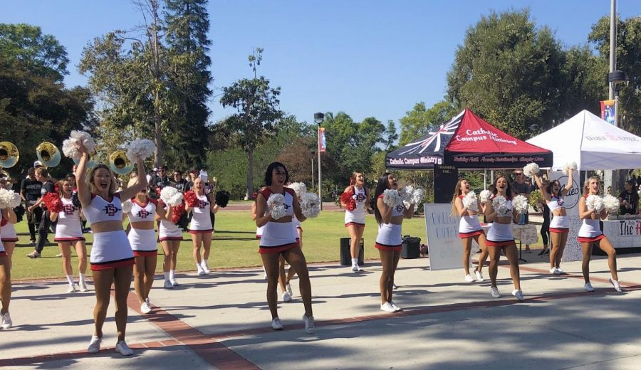 SDSU%E2%80%99s+cheer+team+and+the+school+band+perform+on+Campanile+walkway.