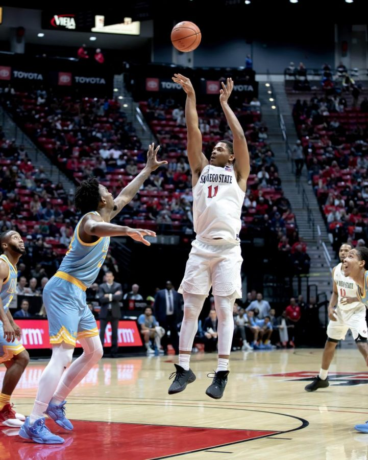 Then-junior+forward+Matt+Mitchell+fires+a+jumper+during+the+Aztecs%27+81-64+win+over+Long+Island+University+on+Nov.+22%2C+2019+at+Viejas+Arena.