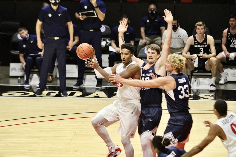 San+Diego+State+men%27s+basketball+senior+forward+Joshua+Tomai%C4%87+passes+the+ball+after+getting+double-teamed+by+two+Brigham+Young+defenders+during+the+Aztecs%27+72-62+loss+to+the+Cougars+on+Dec.+18%2C+2020+at+Viejas+Arena.