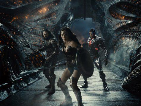 Wonder Woman (Gal Gadot), Aquaman (Jason Momoa) and Cyborg (Ray Fisher) pose in Zack Snyder