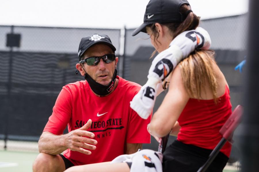 Women's tennis team stronger after unprecedented pandemic season