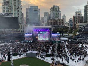 Weezer performing songs from their latest album Van Weezer.
